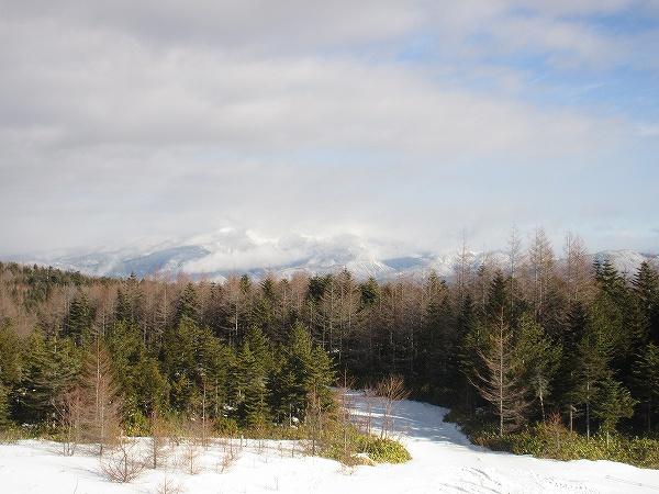 10.雲に霞む山の風景.jpg