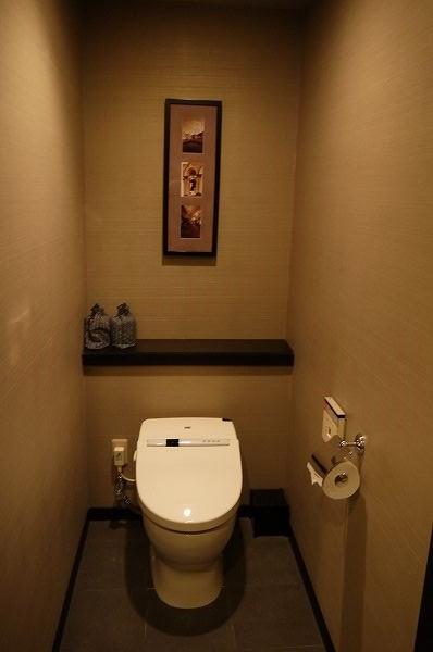 12.左の引き戸がトイレ.jpg