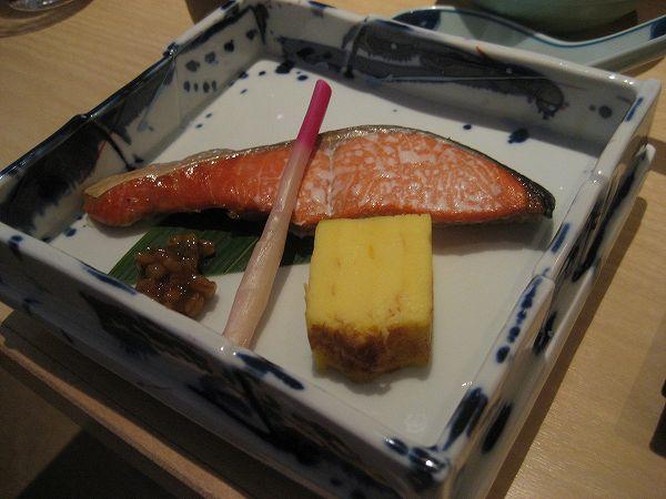 13.鮭と厚焼き玉子に.jpg