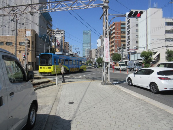14.阪堺電車通過(2).jpg