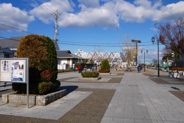 15.ラグビー場へのプロムナード.jpg
