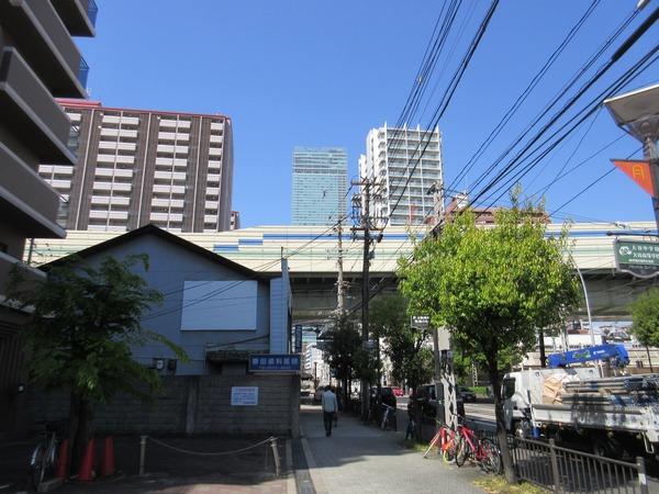 17.阪神高速の向こうにあべのハルカス.jpg