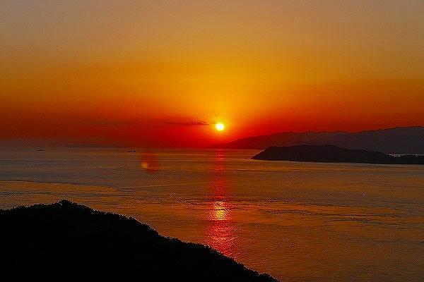 18.部屋から見た夕陽(2).jpg