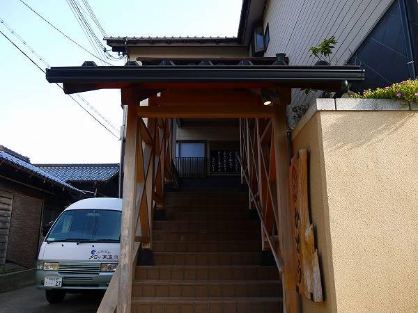 2.階段を上って.jpg
