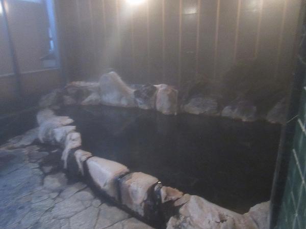 21.自家源泉の岩風呂です.jpg