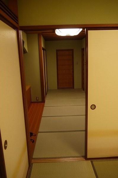 22.1室目8畳から前室を.jpg