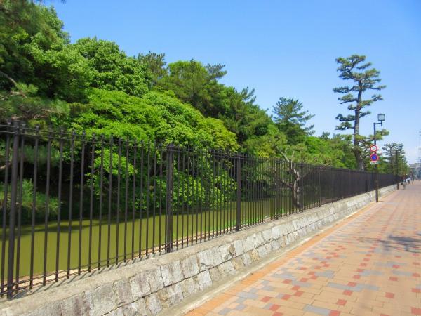 29.外堀沿いを歩く.jpg
