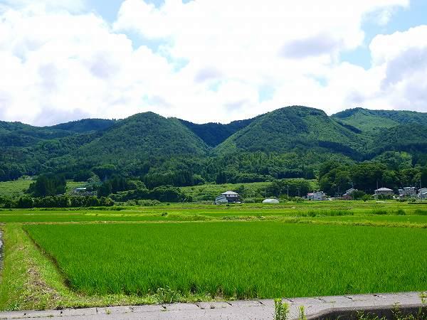 3.会津の里山.jpg