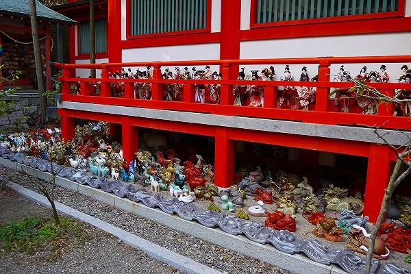 34.人形供養の神社でした.jpg