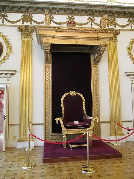 41.貴族の椅子.jpg