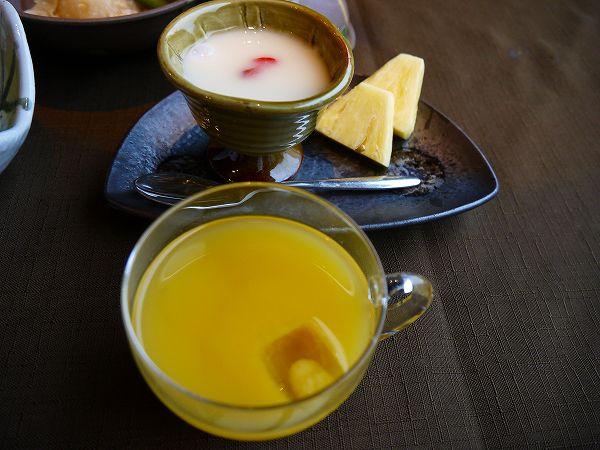 42.杏仁豆腐とオレンジジュース.jpg