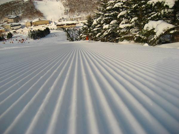 6.圧雪車が通った跡.jpg
