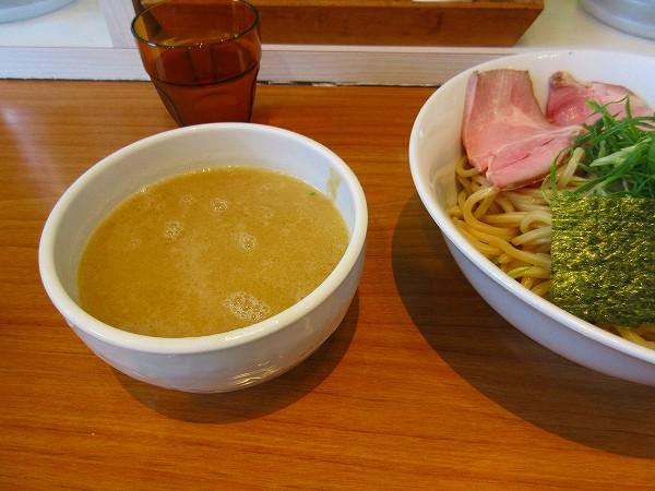 7.12時間以上煮込んだ鶏100%スープ.jpg