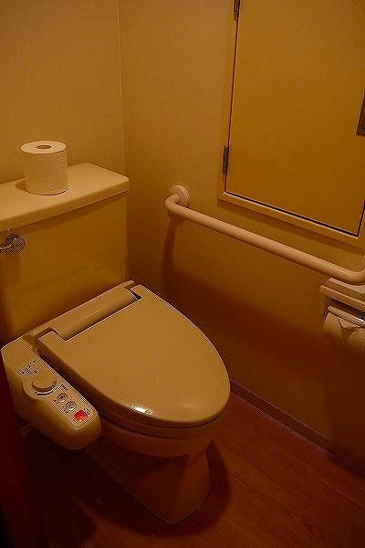 7.トイレには手摺り.jpg