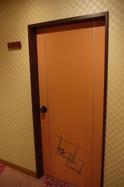 7.部屋はエレベータ至近の.jpg