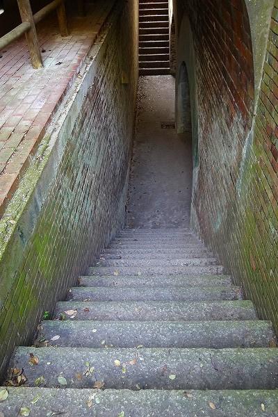 8.急な石段.jpg