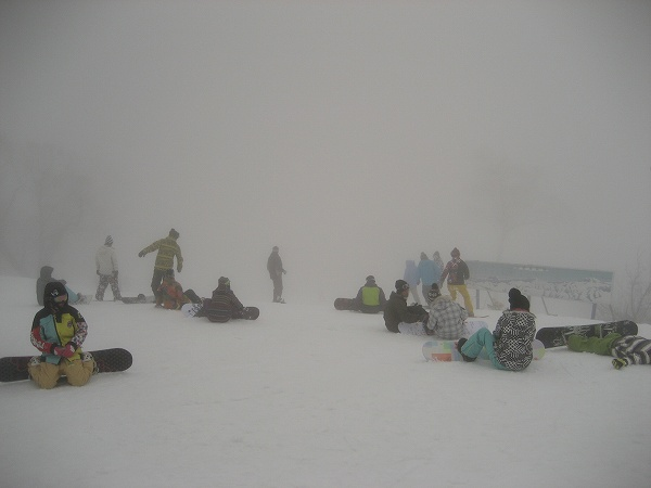 9.山頂はガス.jpg